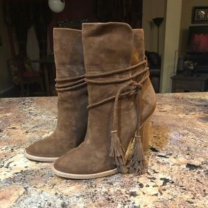 Like-new Joie heeled bootie